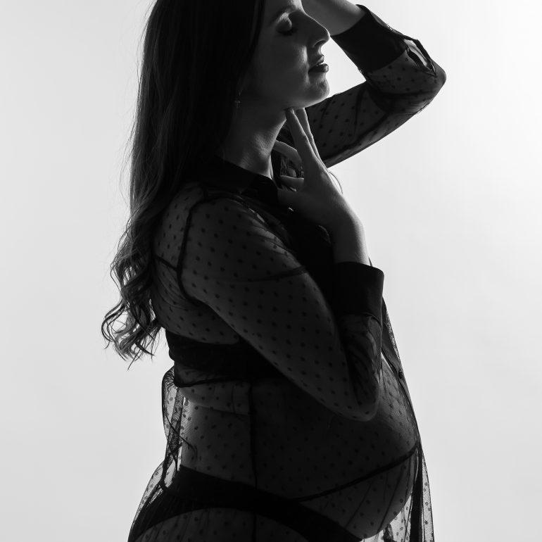 Sesión de embarazo en estudio